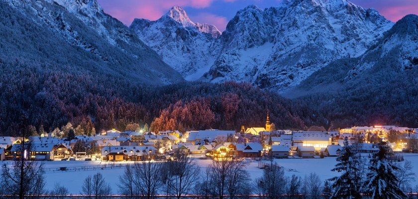 Kranjska Gora Village at night time.jpg
